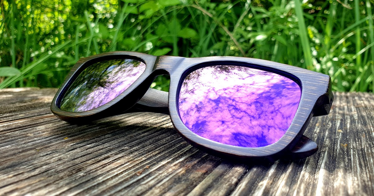 Bamboo sunglasses with polarized purple mirror lenses for men & women