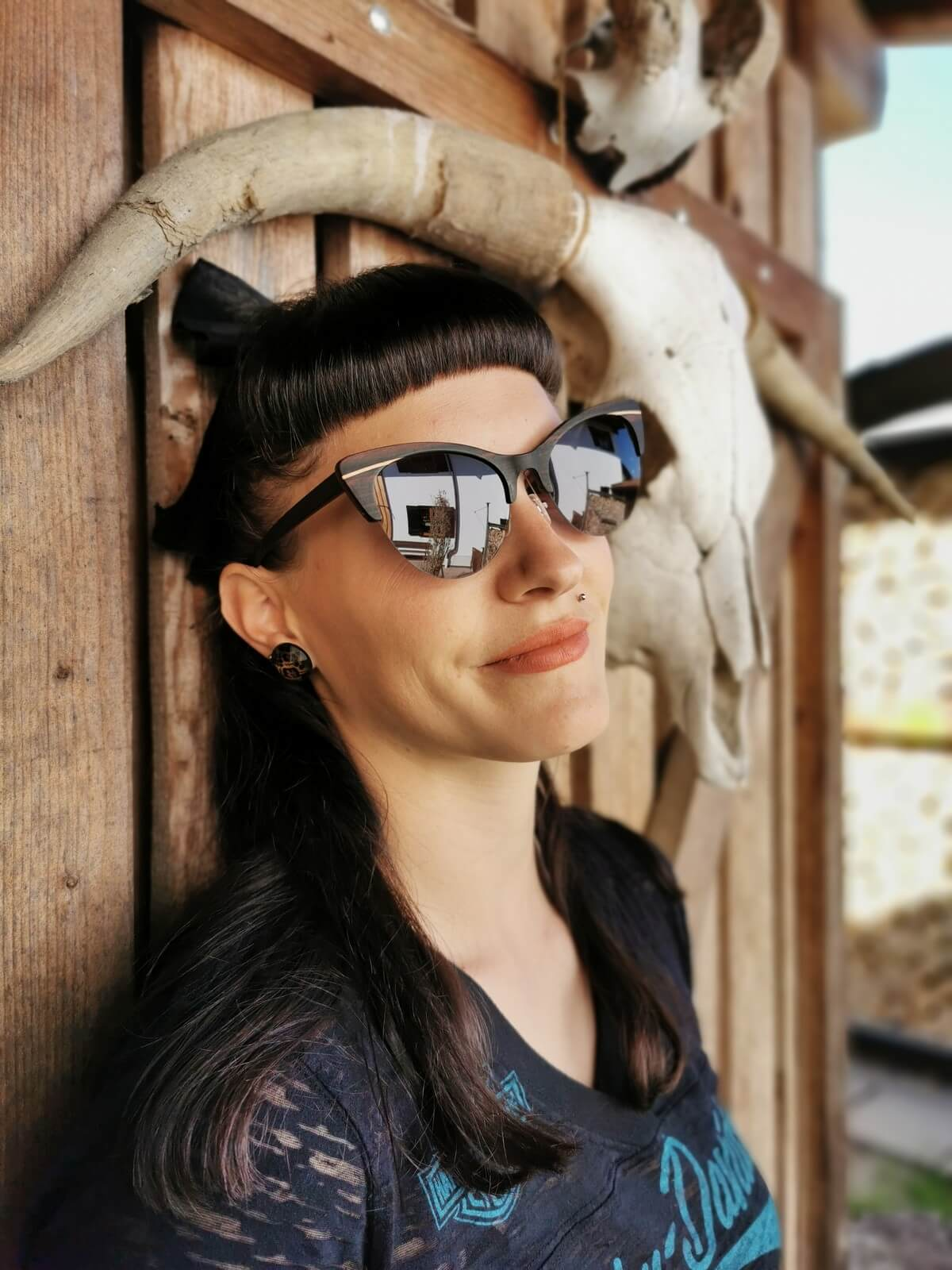 WOOD SUNGLASSES Black Cateye Design | WOODEN SHADE | Model: Ina Maurer